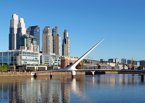 Puerto Madero, Buenos Aires (credit: cibse2017.inf.ufes.br). AGATHÒN 06 | 2019