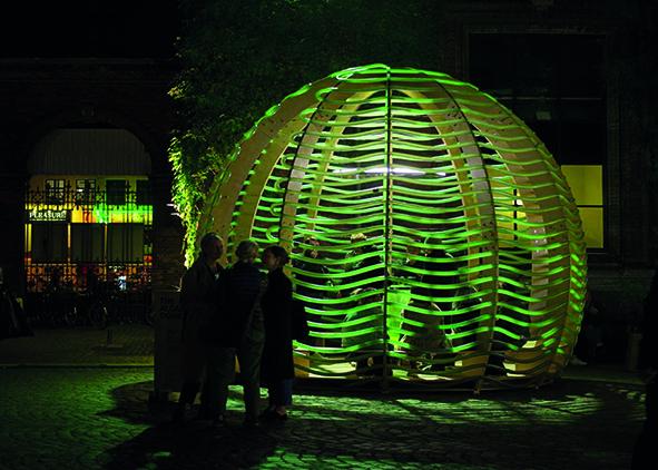 People gathering and chatting under the Algae Dome in Copenhagen, 2017 (credit: N. A. Vindelev, 2017). AGATHÒN 06 | 2019