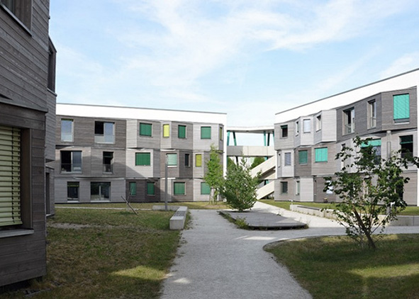 Berlin, green courtyards in the Adlershof district (credit: F. Dell'Acqua, 2018). AGATHÓN 08 | 2020